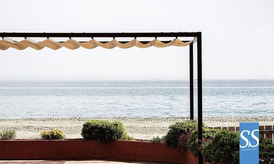 Pergola rétractable manuelle, pergola bâche PVC, couverture de terrasse, chassis acier galvanisé laqué époxy, Beach, pergola plage, Corse