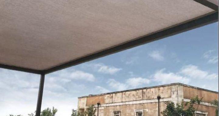 Pergola fixe, pergola moderne, pergola bâche PVC, couverture de terrasse, chassis acier galvanisé laqué époxy, Blue Beach, pergola plage, Corse